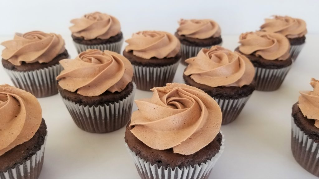 Rosette Decorated Cupcakes using Easy Nutella Frosting
